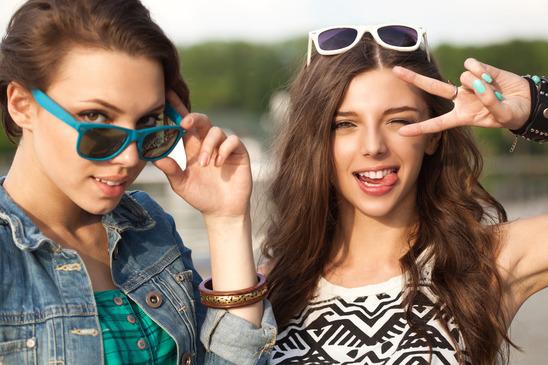 pretty-girls-sunglasses