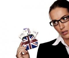 save-woman-purse-british